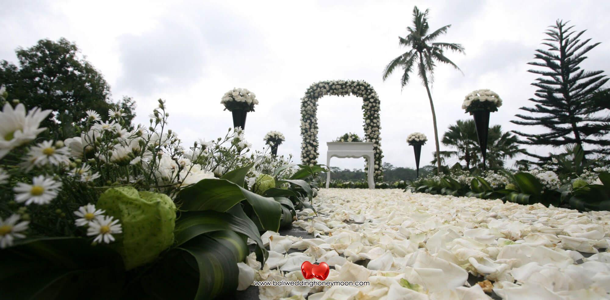 kupukupubarongubudbali-weddingvenuebali-uniquebaliwedding-baliweddinghoneymoon-baliweddingorganizer-baliweddingplanner-baliweddingpackage3
