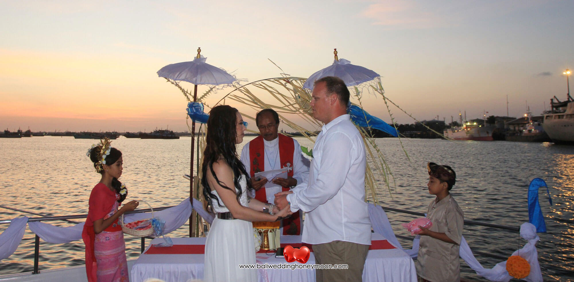 sailsensationcruisebali-weddingvenuebali-uniquebaliwedding-baliweddinghoneymoon-baliweddingorganizer-baliweddingplanner-baliweddingpackage2