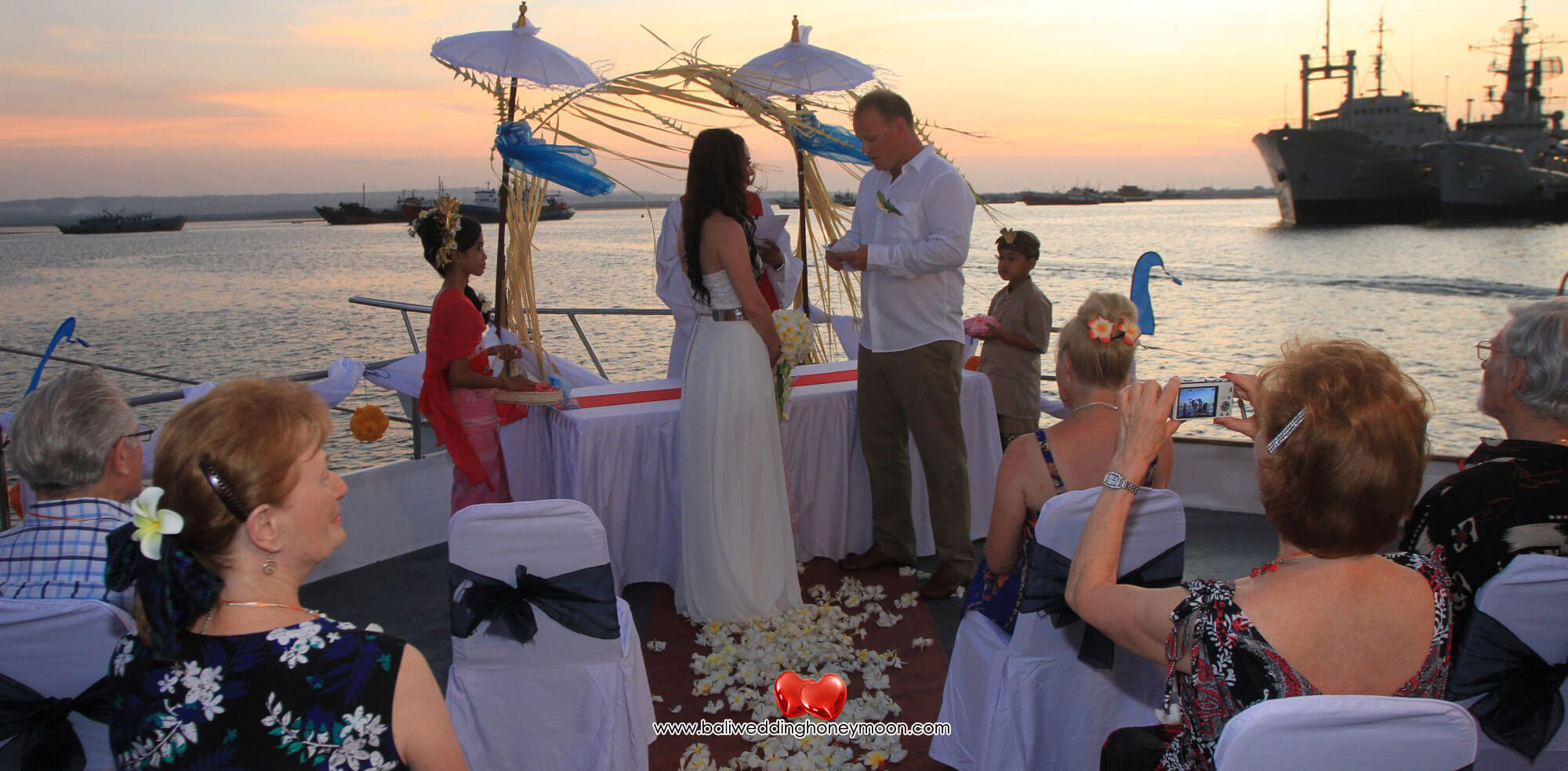 sailsensationcruisebali-weddingvenuebali-uniquebaliwedding-baliweddinghoneymoon-baliweddingorganizer-baliweddingplanner-baliweddingpackage3