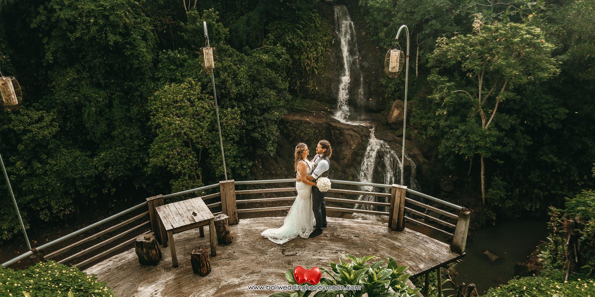 weddingvenuebali-waterfallbaliwedding-baliweddinghoneymoon-baliweddingorganizer-baliweddingplanner-baliweddingpackage-layanawarung2