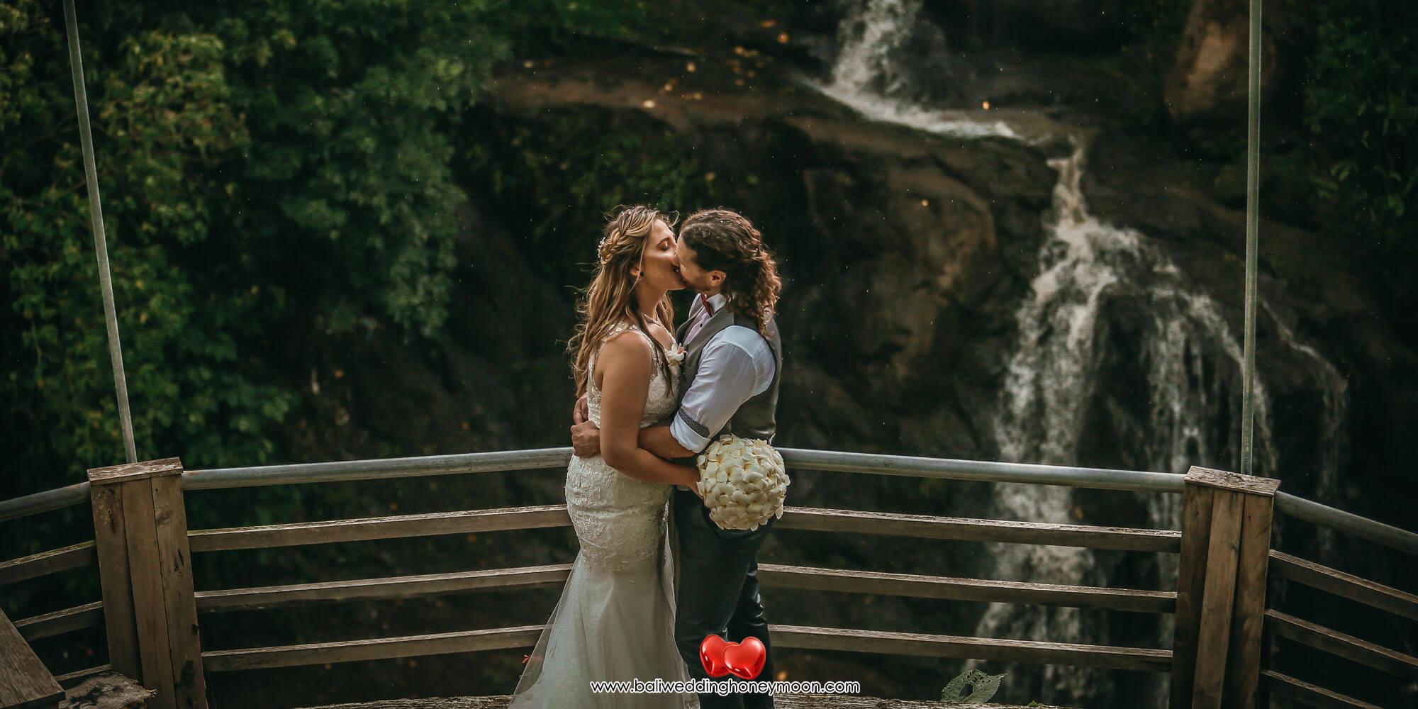 weddingvenuebali-waterfallbaliwedding-baliweddinghoneymoon-baliweddingorganizer-baliweddingplanner-baliweddingpackage-layanawarung5
